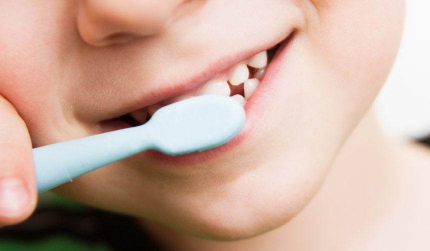 Tratamentul stomatologic de fluorizare la copii